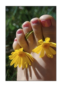 pedicure-w-flowers1